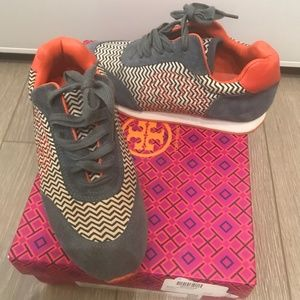 Tory Burch - Delancey Graphic-Print Sneakers -